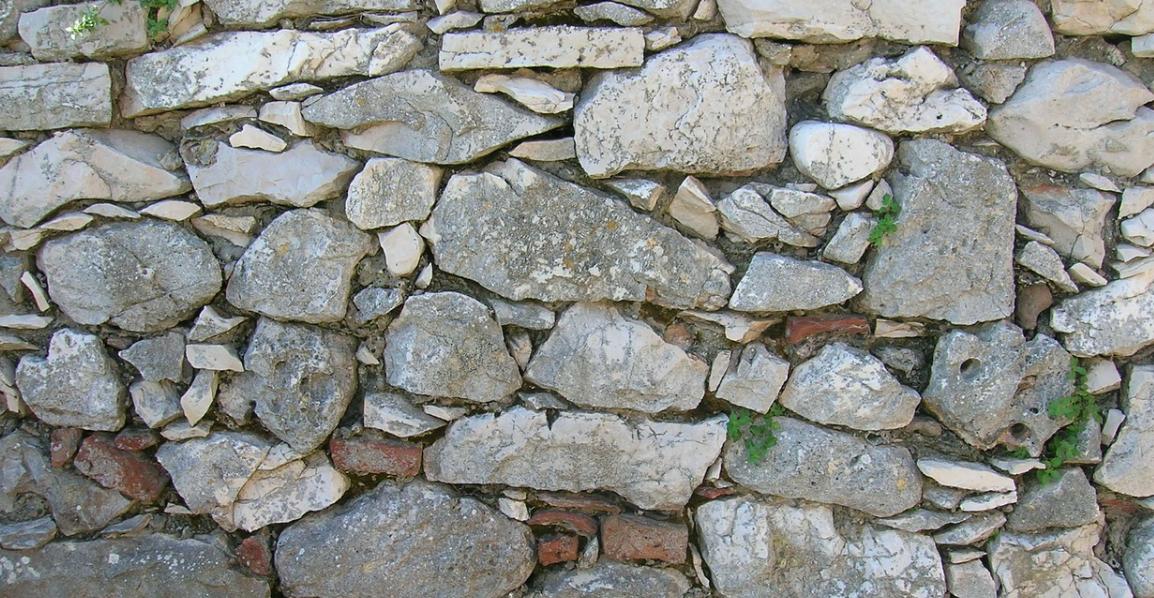 kamínkový plot